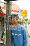カンボジアのプノンペンで、毎朝露店本屋さんで新聞を買っていました。 仲良くなったので撮影させてもらいました。